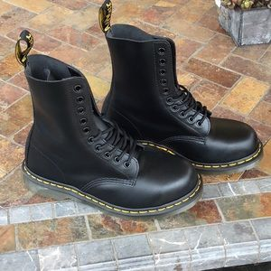 Dr Martens 10-eye NEW 1919 steel toe